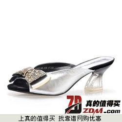 四季风新款真皮水钻蝴蝶结金属鱼嘴女拖鞋3F650   299元